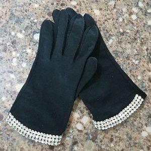 Women's Vintage Crescendoe black gloves crystals